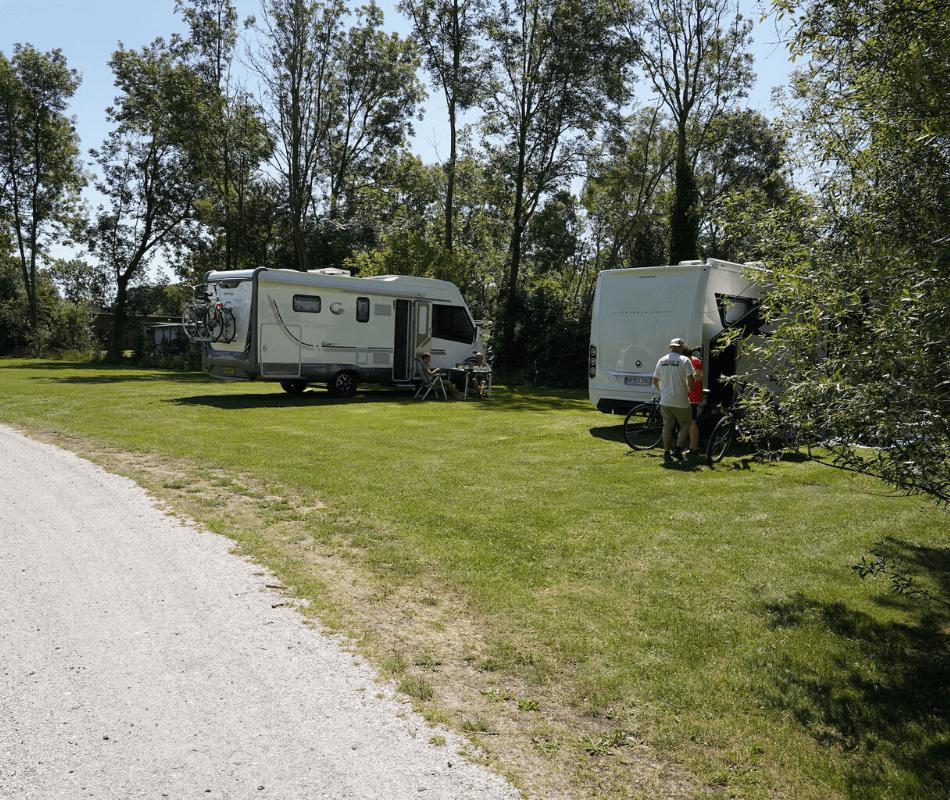 kamperen-camper-caravan-tent-vouwwagen-camping-zeestrand-camping-aan-zee-groningen-dollard-02